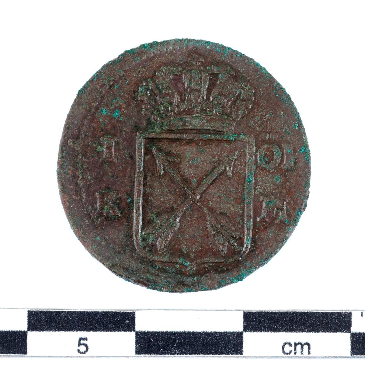 Mynt av kopparlegering. 1 öre. Präglat 1749 under Fredrik I regeringstid (1720-1751).
