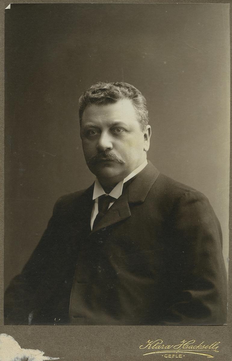 Doktor Erik Lindström.