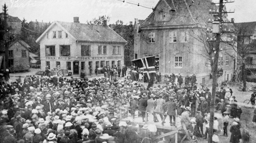 Bryne torg 17. mai 1925