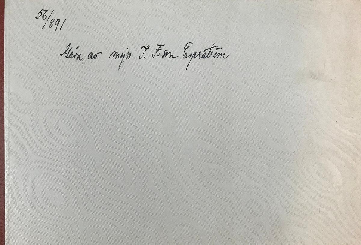 Fotoalbum innehållande porträtt av officerskåren vid Andra livgrenadjärregementet I 5 omkring, 1860-80-talet. Albumet är inte komplett och är ursprungligen en gåva till Linköpings garnisonsmuseum från major Ivar Folkesson Egerström.
