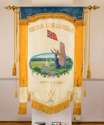 Fane til Eidsiva Ungdomslag stiftet 3. februar 1895. Forside