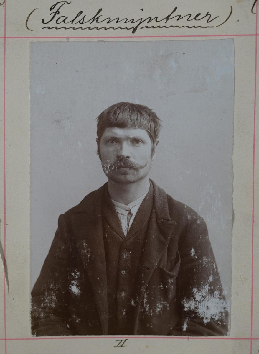 Registreringsfoto fra Midt-Norge fra perioden 1903-1922.
