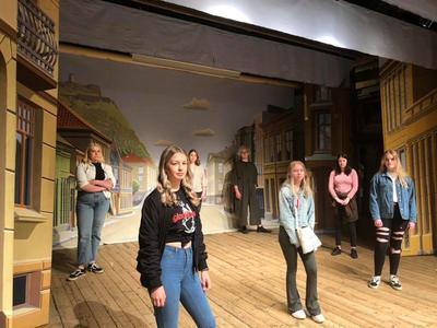 Halden vgs musikk, dans drama på Fredrikshalds teaters scene