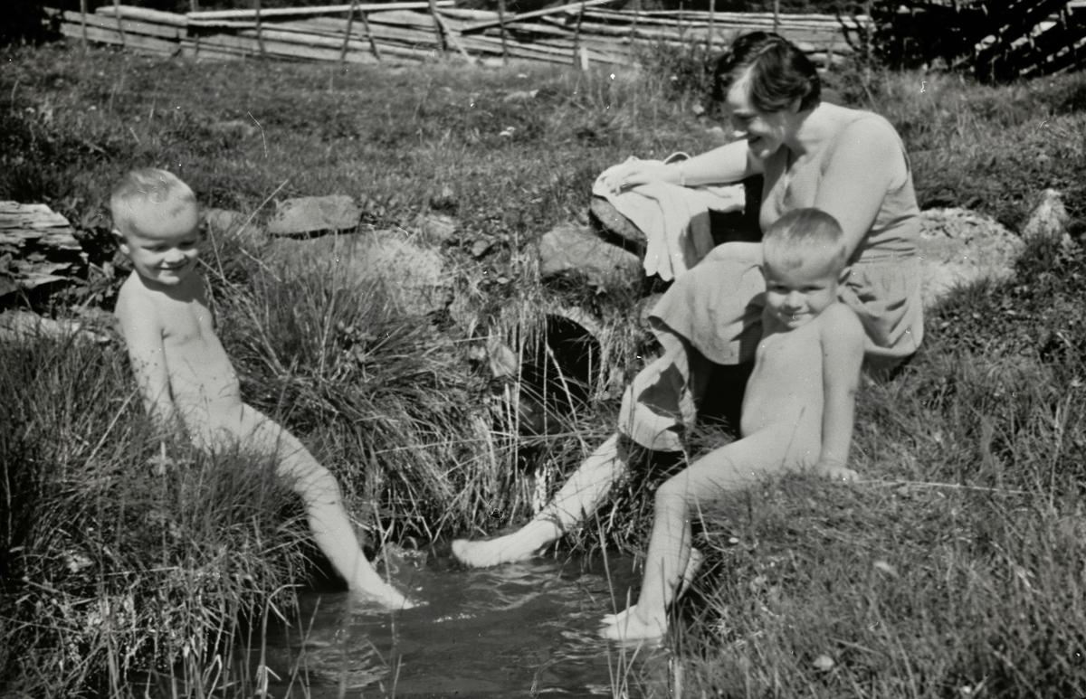 Bading i Anfinseterbekken ca 1964