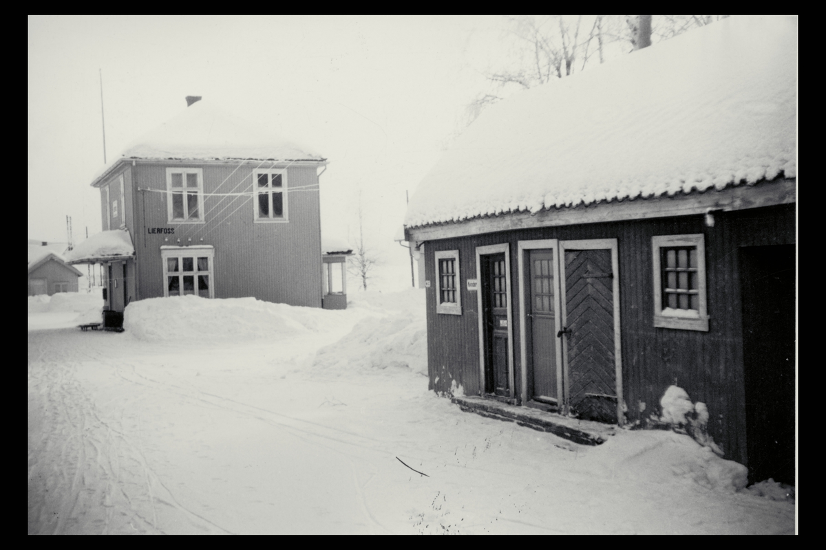 eksteriør, postkontor, 1933 Lierfoss, Aurskog-Hølandsbanen