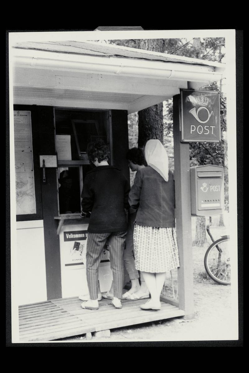 eksteriør, postkontor, 4508 Sjøsanden, sesongkontor, postskilt, postkasse