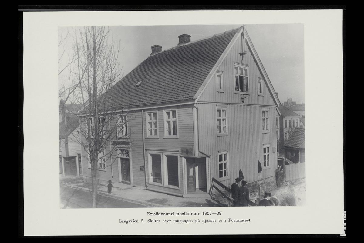 eksteriør, postkontor, 6500 Kristiansund, innstikkpostkasse, postskilt