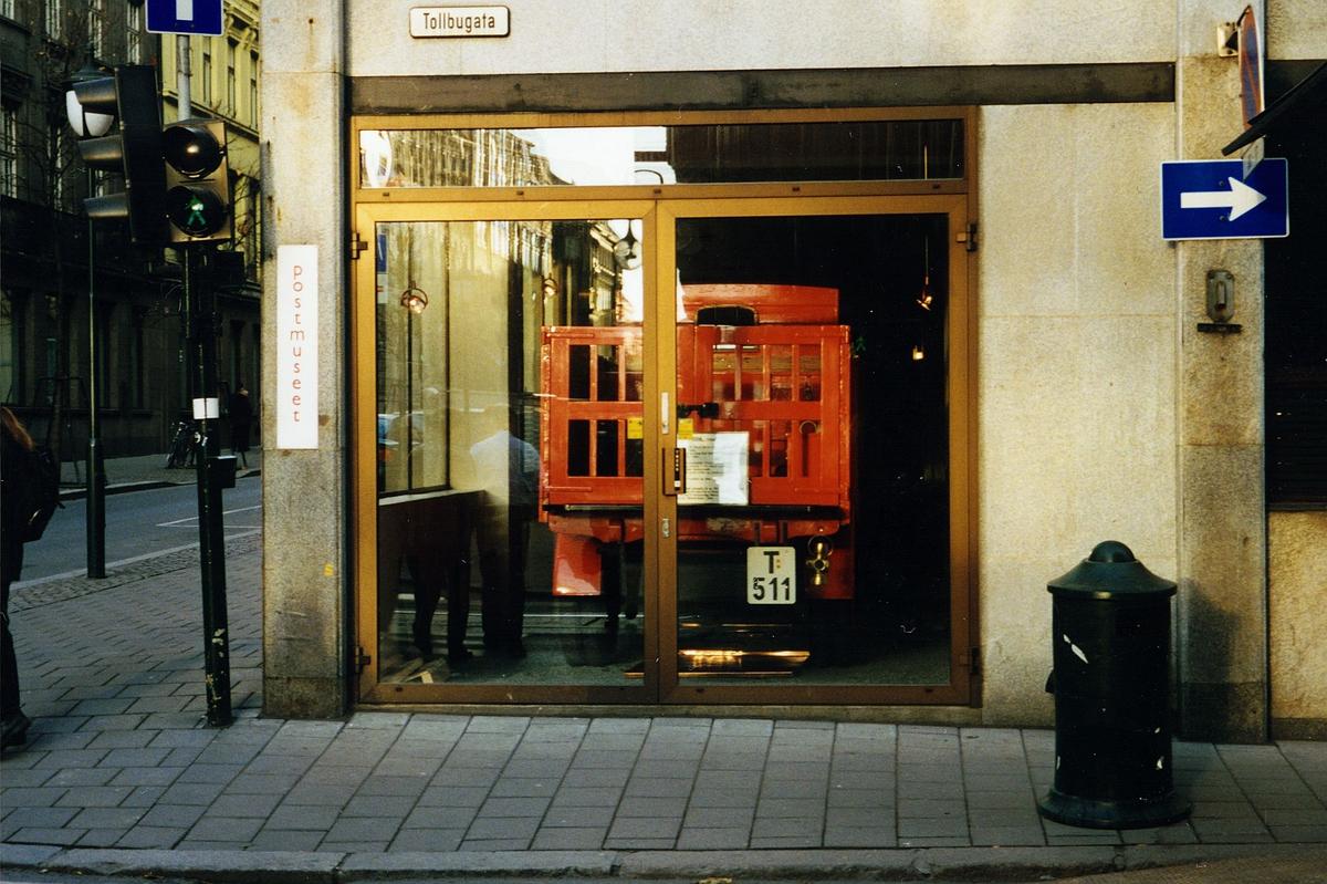 eksteriør, Postmuseet, Tollbugaten, Fiat lastebil i vinduet