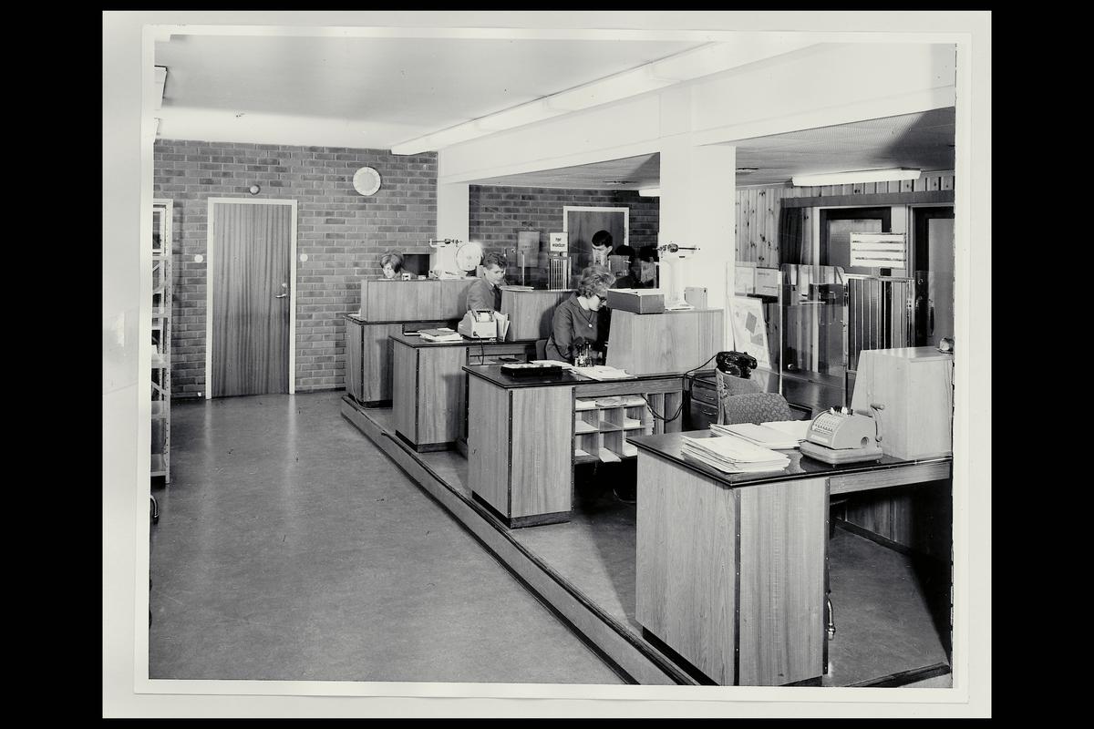 interiør, postkontor, 3080 Holmestrand, ekspedisjon, ekspeditører, kunder, sikringsmaskin