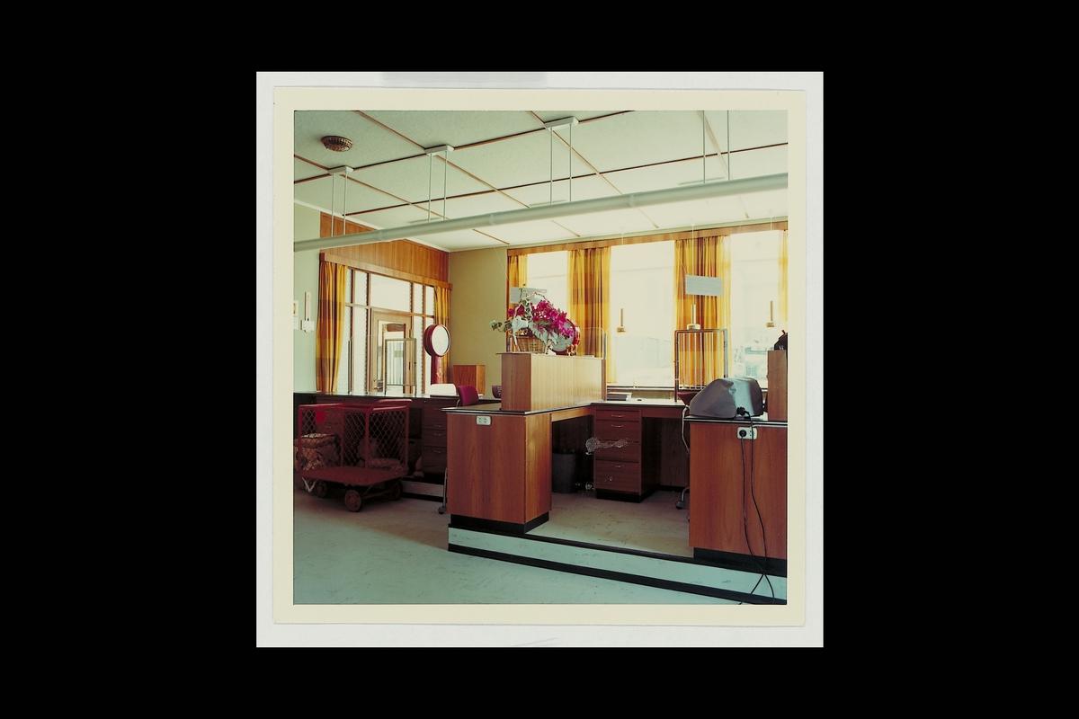 interiør, postkontor, 6200 Stranda, ekspedisjon, vekt