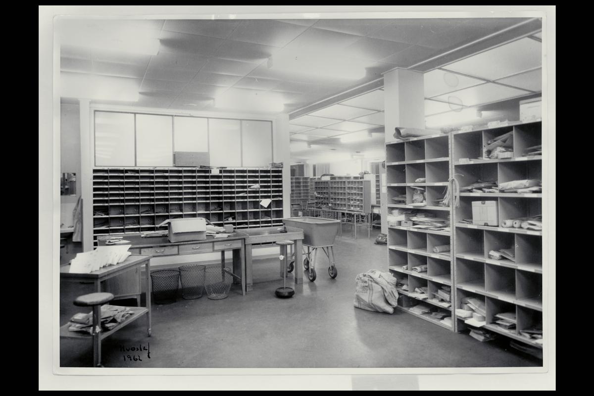 interiør, postkontor, 4800 Arendal, sortering, postsekker
