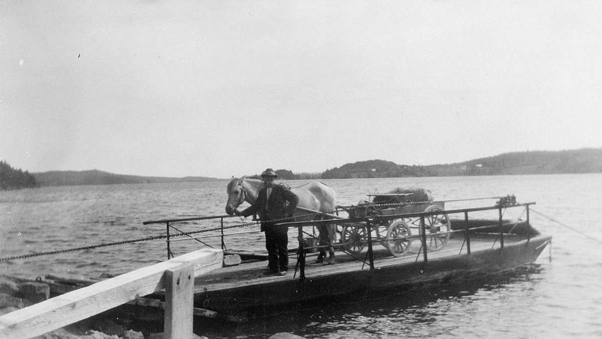 transport båt, elvebåt, hest med vogn, 4 hjul, landpostbud, ruten Kroksund fergested