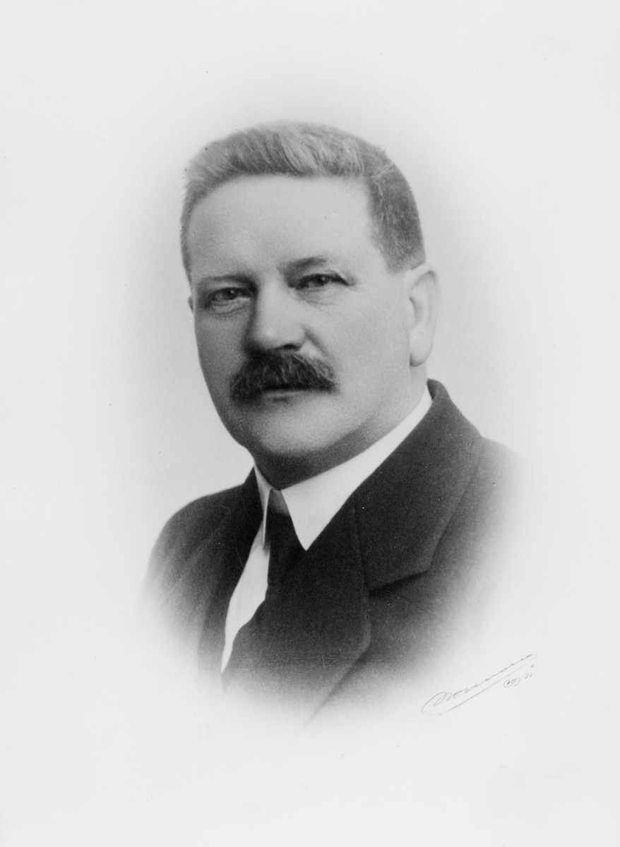 portrett, postmester, Oscar Johan Bull