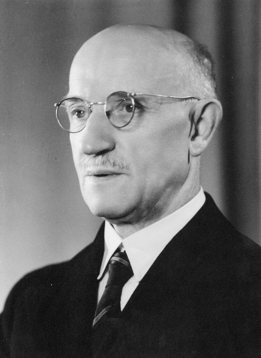 portrett, postmester, Ole Edvard Mokkelbost