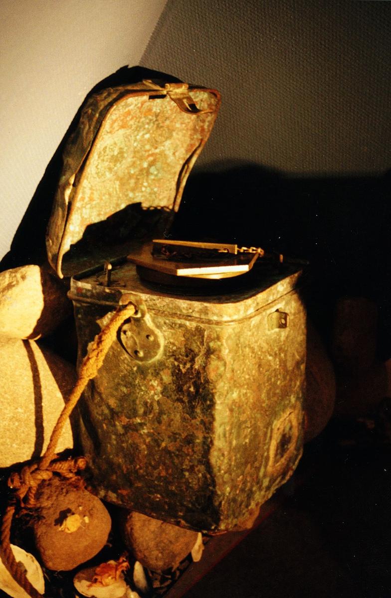 Postmuseet, utstilling, postbeholder fra Svinøy fyr