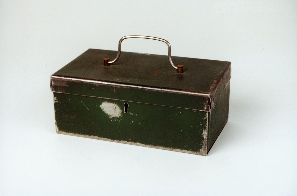 Postmuseet, gjenstander, skrin, kasseskrin med håndtak.