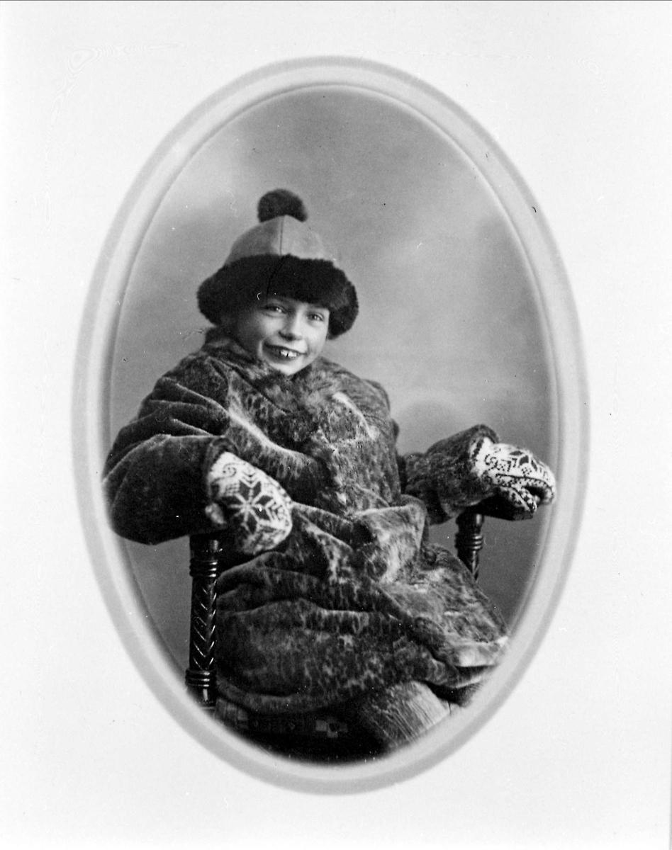 Barn, jente, pels, skinnlue, portrett