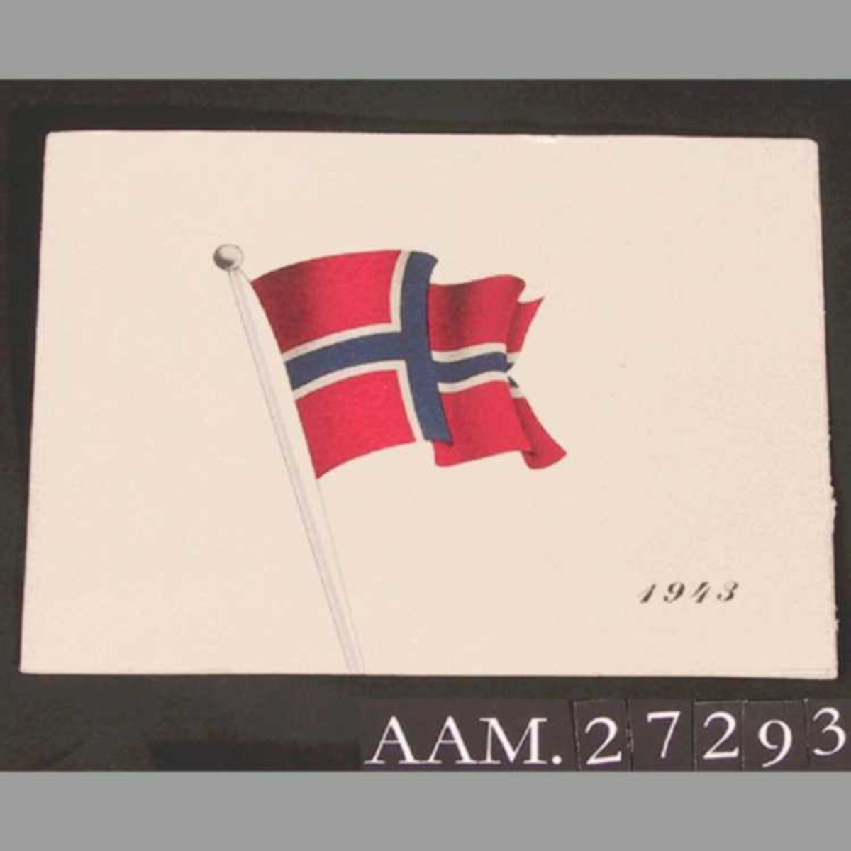 Norsk flagg på forsiden, kronprinsesse Märthas monogram