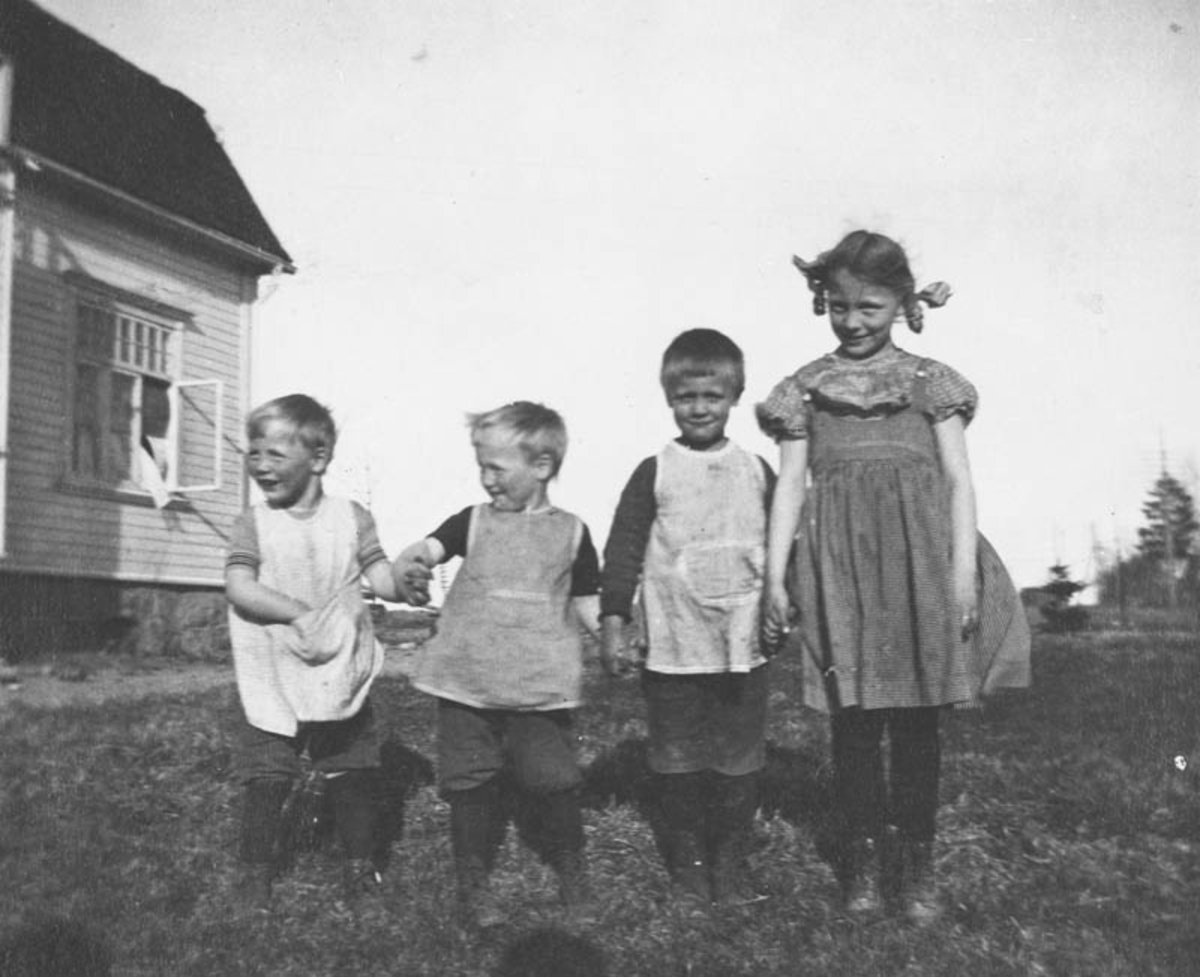 Barna til dyrlege Hemsen.