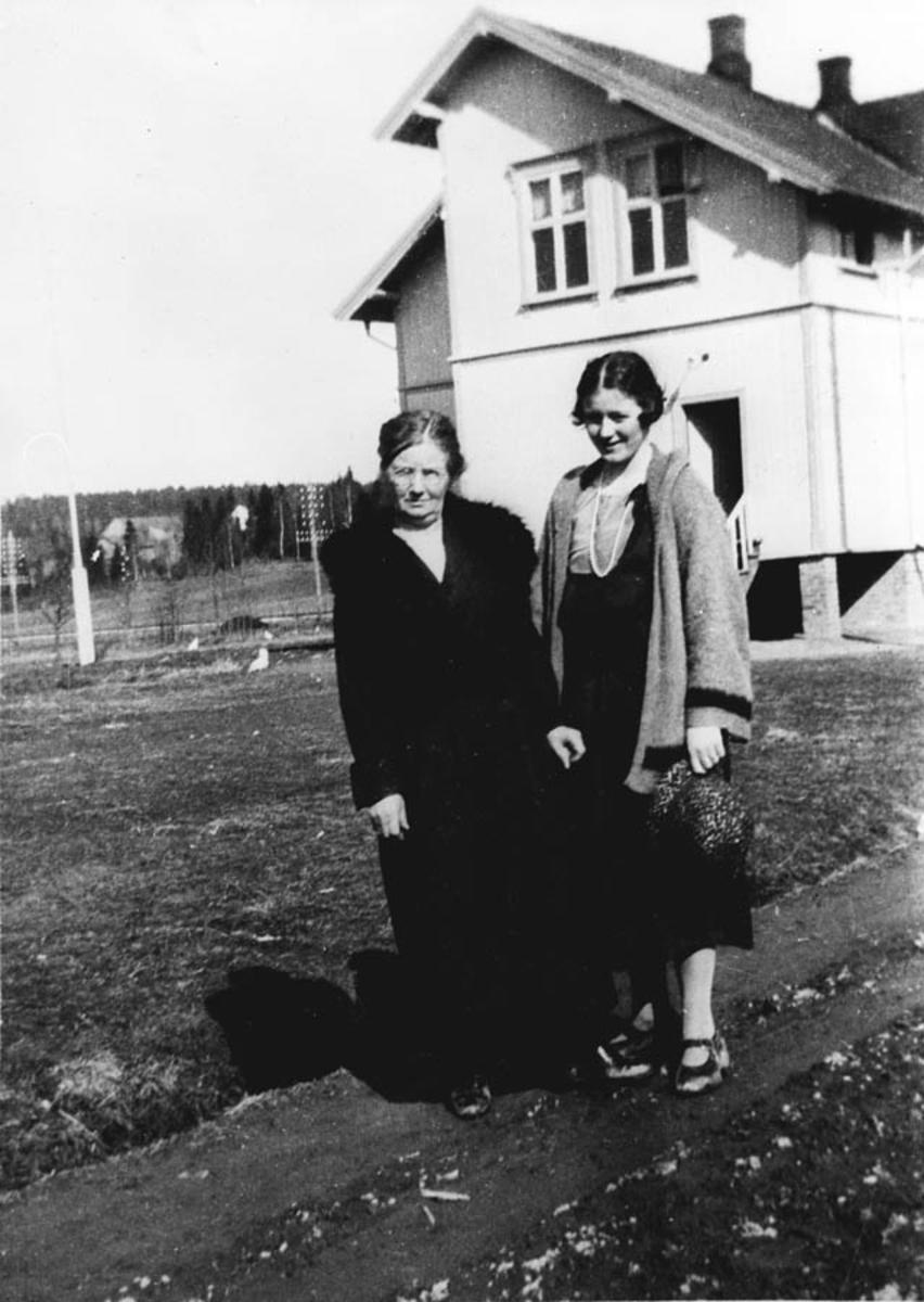 Klara Lobben, Ester Lobben (g. Fosvold