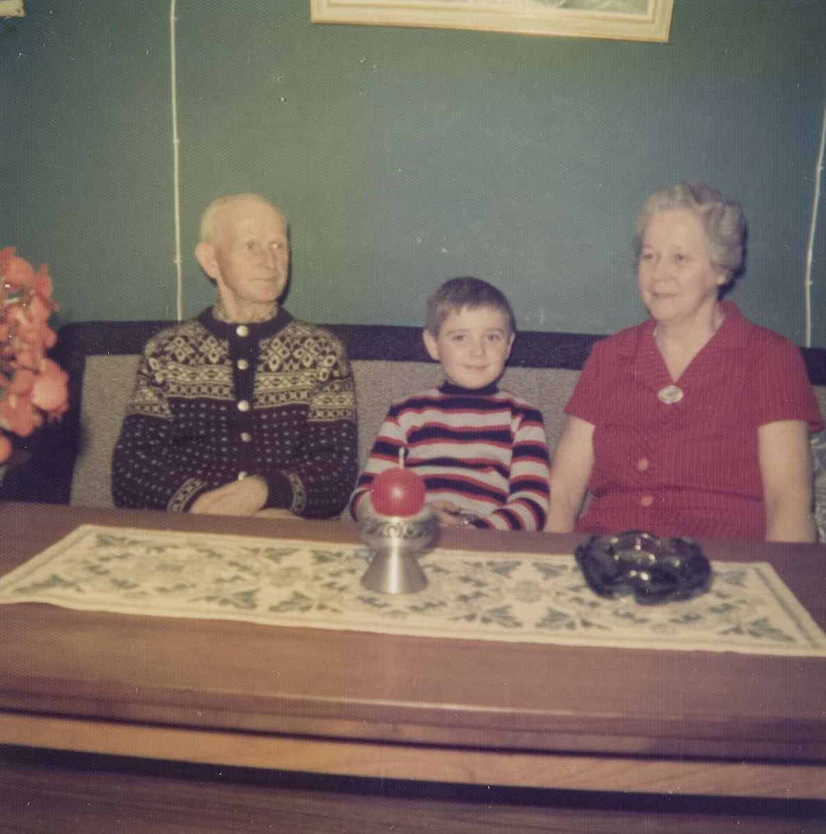 Besteforeldre og barnebarn.