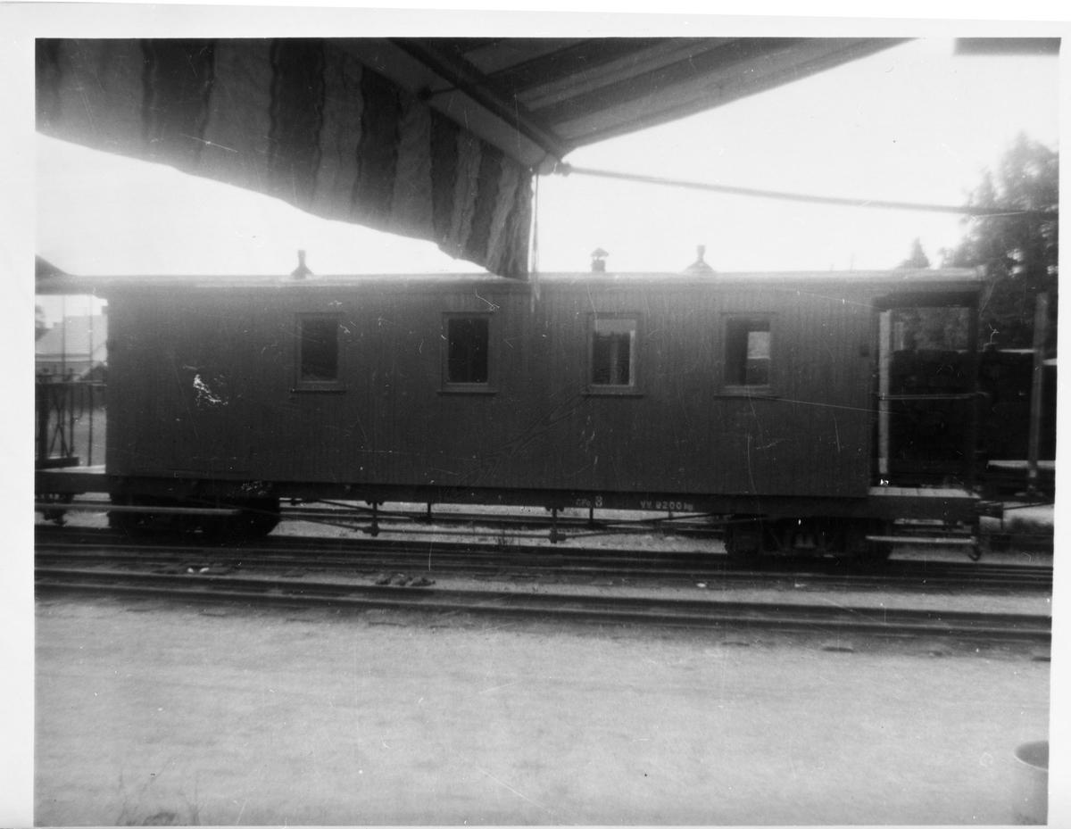 Vogn CFo8, opprinnelig fra Nesttun-Osbanen, hensatt i spor 2 på Bjørkelangen stasjon
