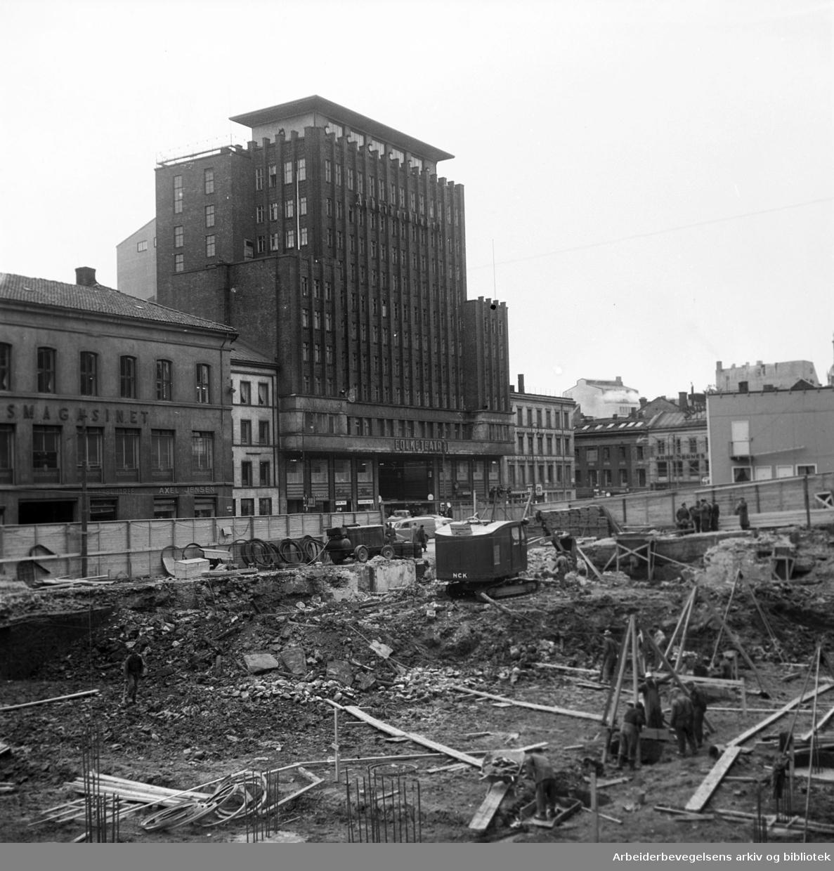 Det gamle Folkets Hus rives..Torggata 14 (Oslo Arbeidersamfund) rives,.september 1954