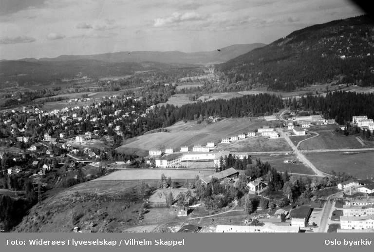 Huseby gård, Huseby skole, Husebyleiren, Hovseter, Røa (Flyfoto)