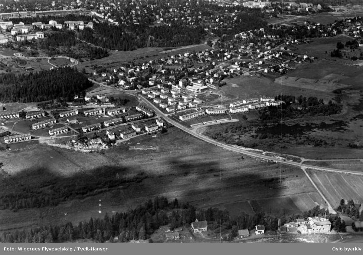 Lille Langerud, Langerudsvingen, Østensjøveien, Skullerudveien, Abildsø, Østensjøvannet, Lambertseter (Flyfoto)