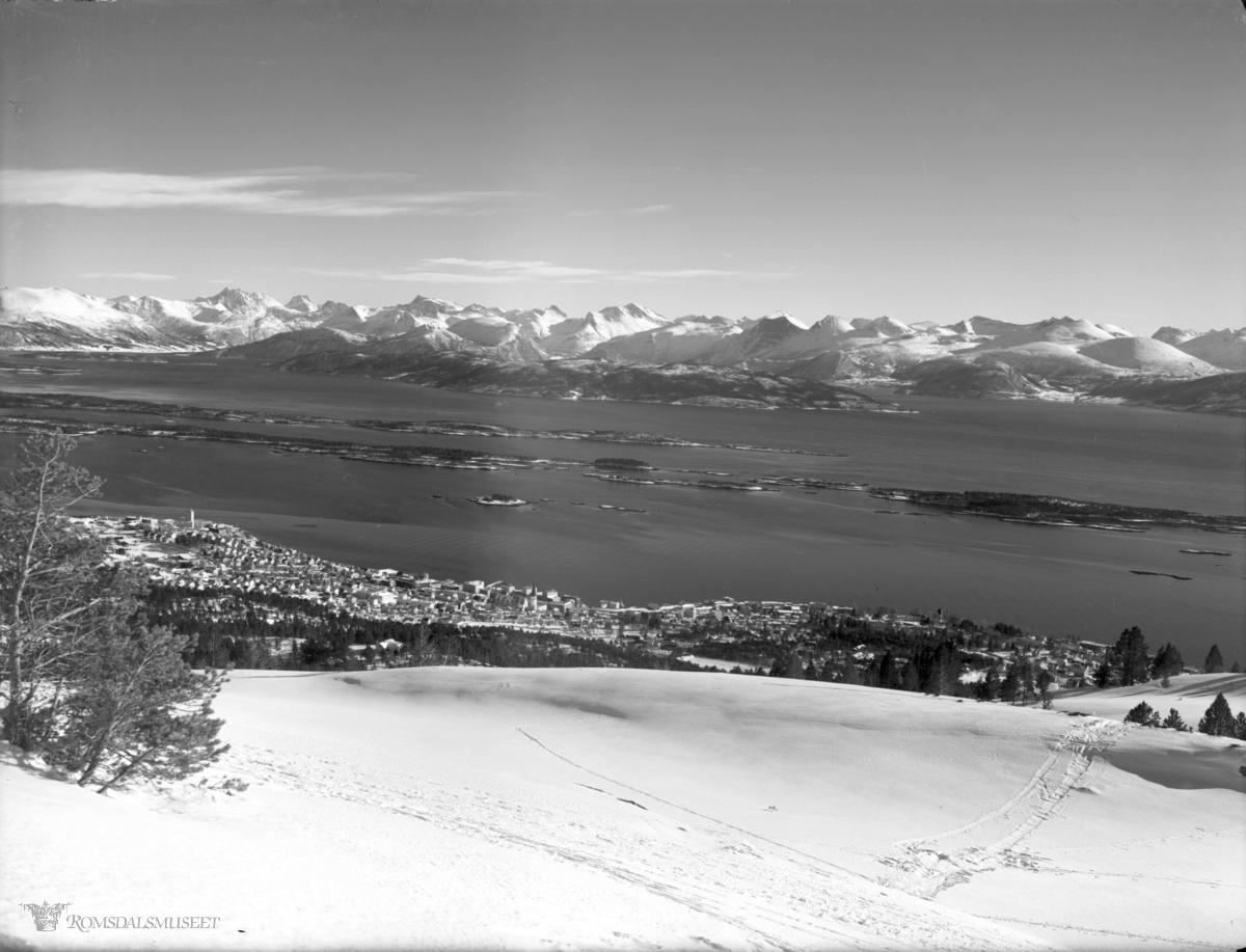 Molde by sett fra nordøst., Molde fra Hansens hytte.