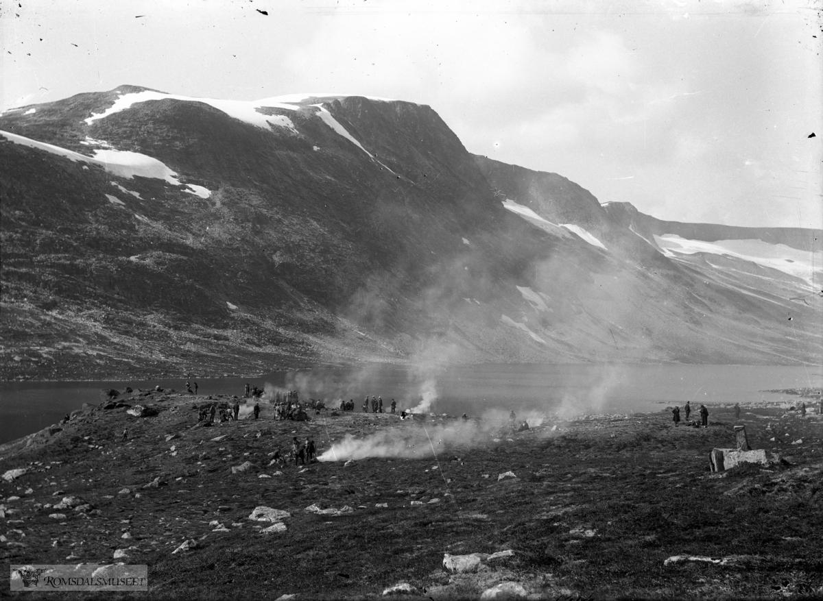 Sandgrovbotn, ved vatnet.(Edvard var i Amerika fra april 1896 til desember 1910)