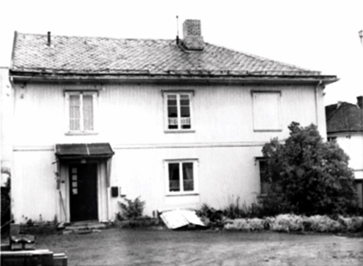 EKSTERIØR, INNGANGSPARTIET, GRØNNEGATA 97
