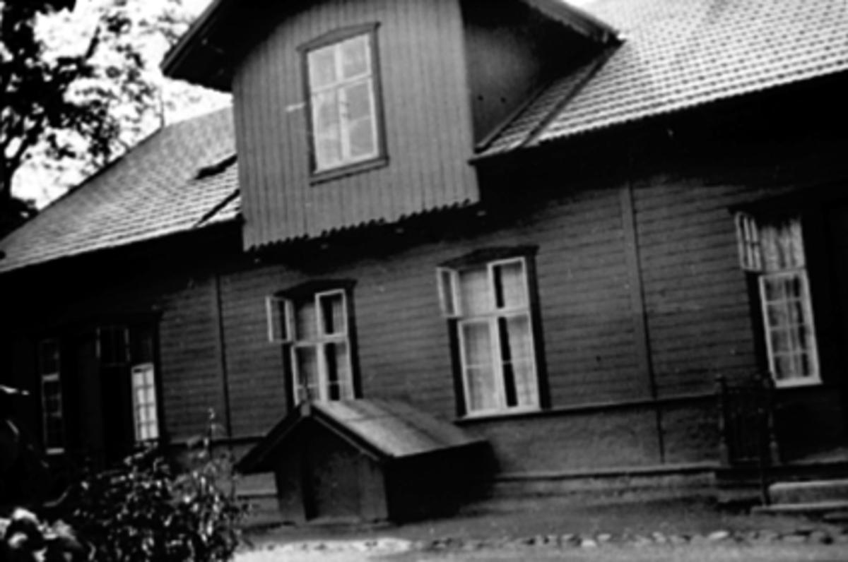 EKSTERIØR FAGERVIK, ØSTREGATE 72, STABELSLØKKEN, BAKGÅRDEN