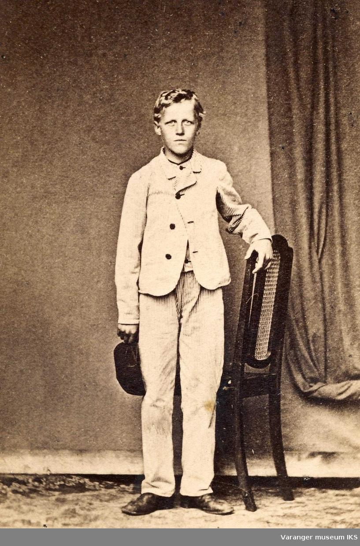 Hans Fredrik Esbensen 14 år i 1869.