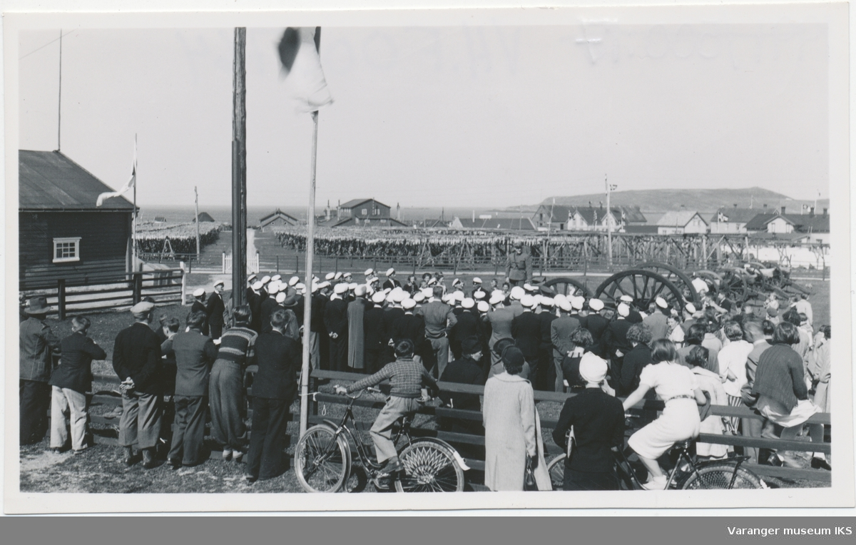Folkemengde på festningsområdet, Sangens og Musikkens Dag 1937