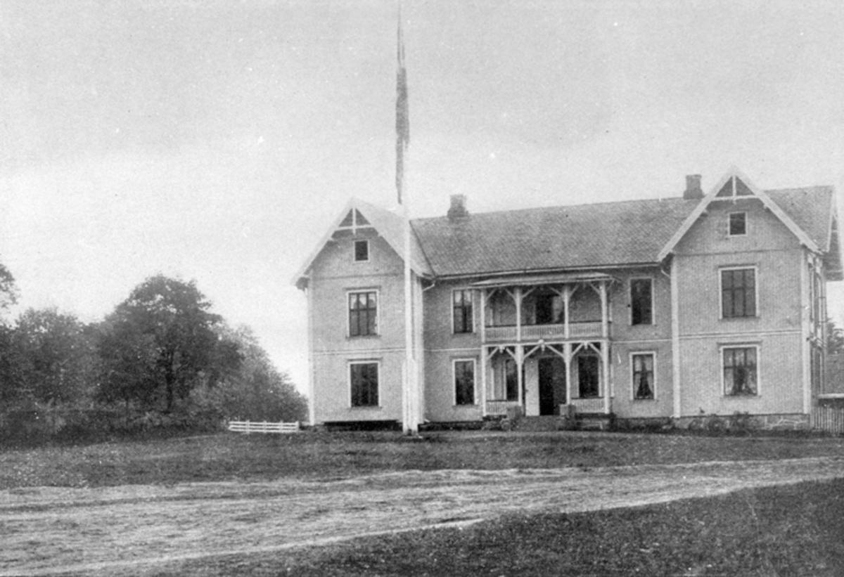 Tingvoll kommunehus.