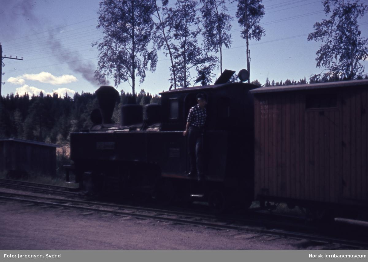 Blandet tog på Kjellingmo stasjon