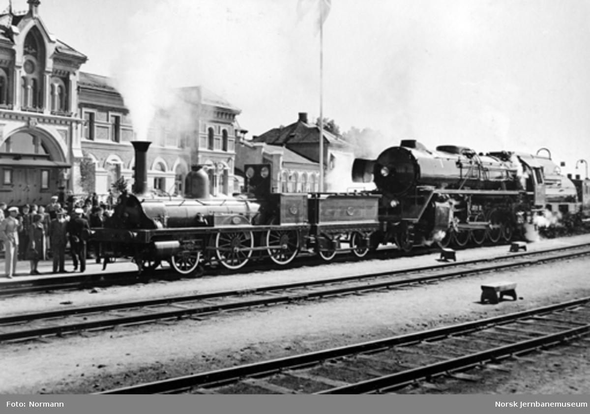 Damplokomotiv type 2a nr. 16 og type 49c nr. 471