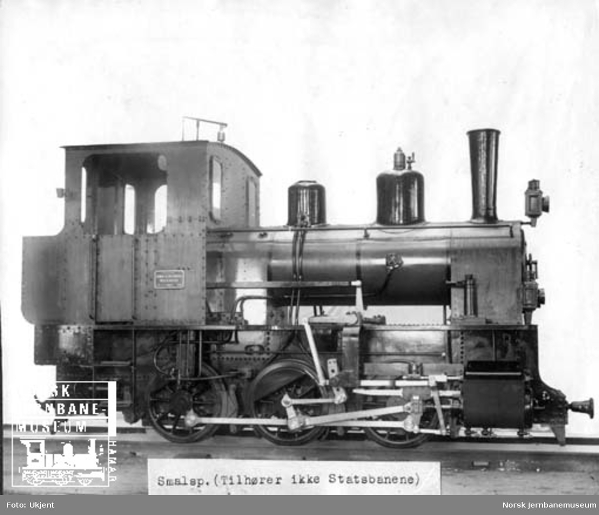 Leveransefoto av Statens Havnevesen damplokomotiv nr. 4 for Berlevåg moloanlegg