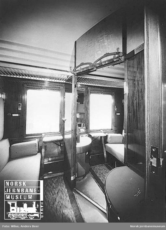 Interiør fra 2. klasse-sovekupeer i sovevogn litra Ao1b nr. 18157