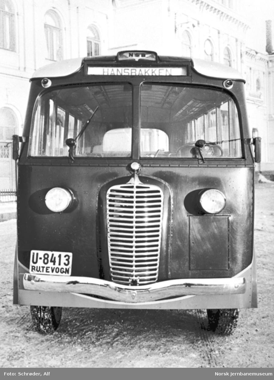 Diamond T-buss med karosseri fra Bjarne Bergs Karosserifabrikk i Trondheim til NSBs bilruter, Trondheim