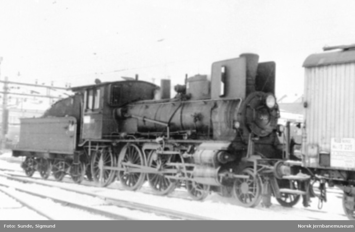 Damplokomotiv type 27a nr. 303
