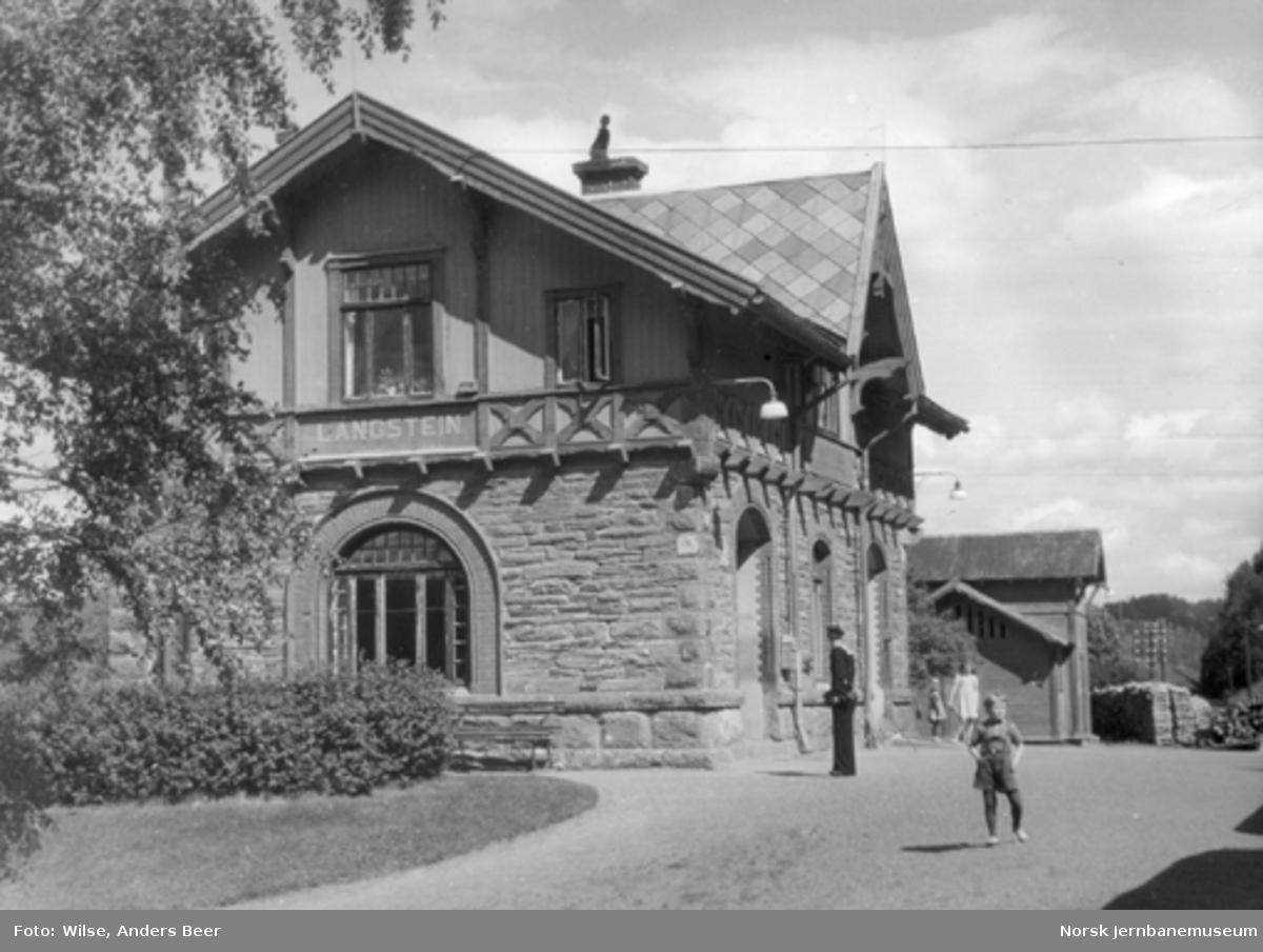 Langstein stasjonsbygning