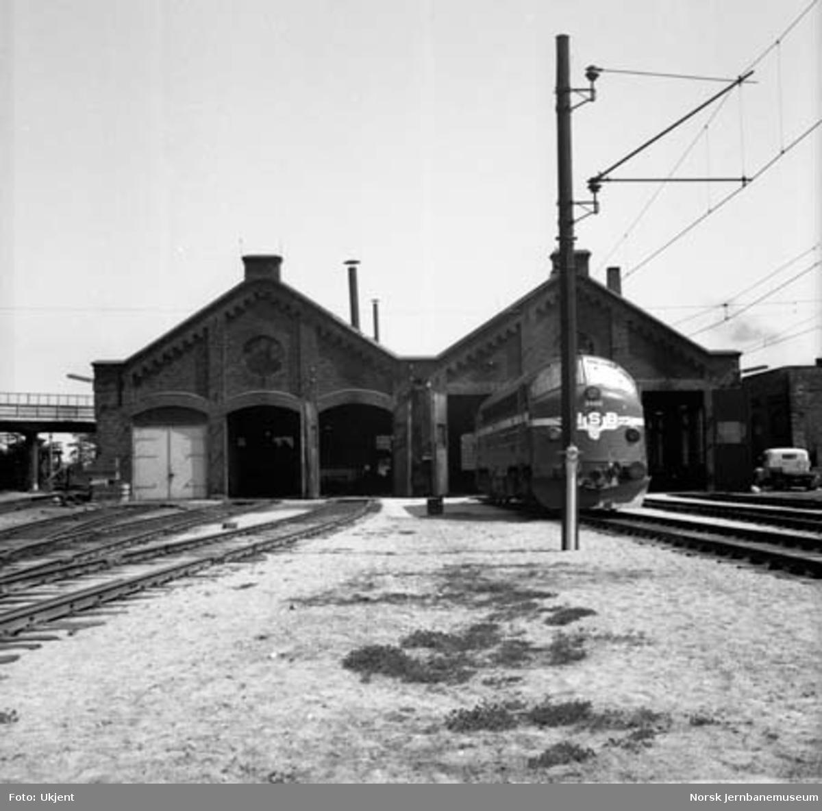 Hamar stasjon : rørosbanestallen