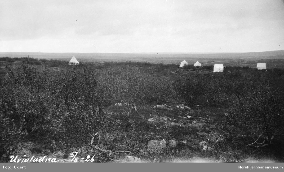 Jernbanestikking i Finnmark : teltleir ved Uvjalátnjá
