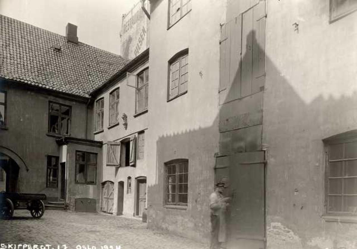 Bakgård i Skippergata 17, Oslo.