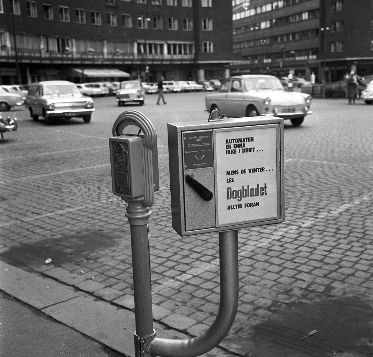 Reklameskilt Dagbladet. Fotografert 1965.