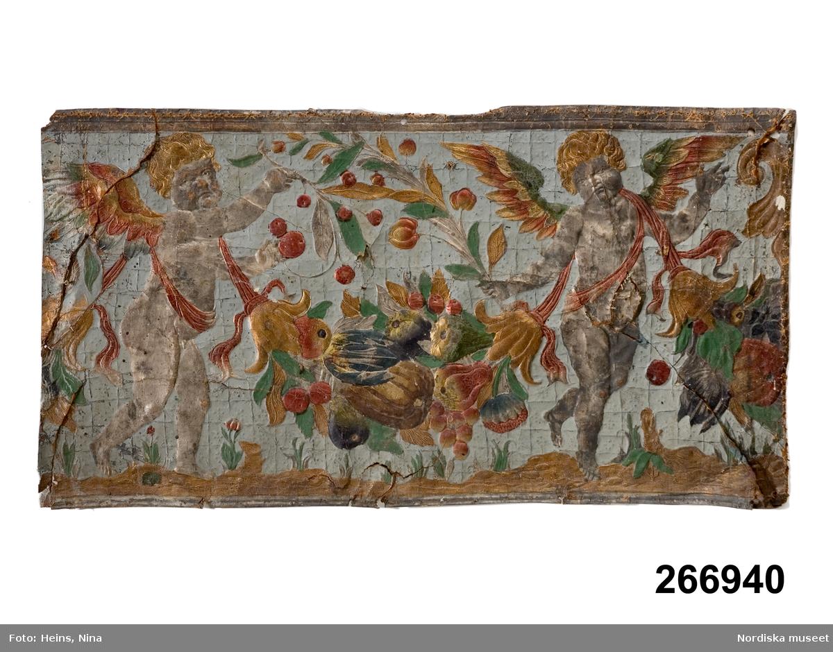 Växt, blad, blomma, tulpan, frukt, druva, äpple, päron. Mytologi, väsen, putto. Festong. Textil, band, sidenband.