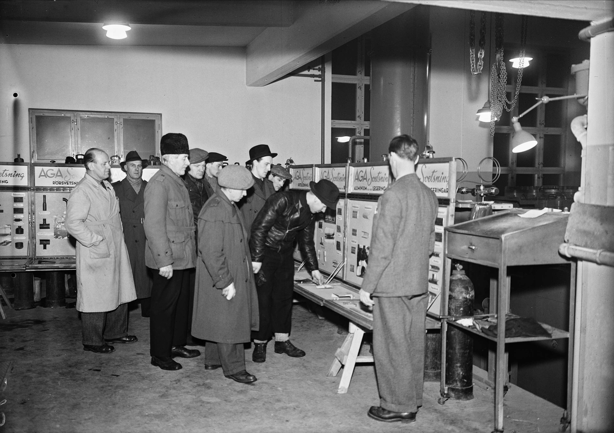 AGA har utställning om svetsteknik, Säbygatan 7, Boländerna i Uppsala den 20 januari 1948
