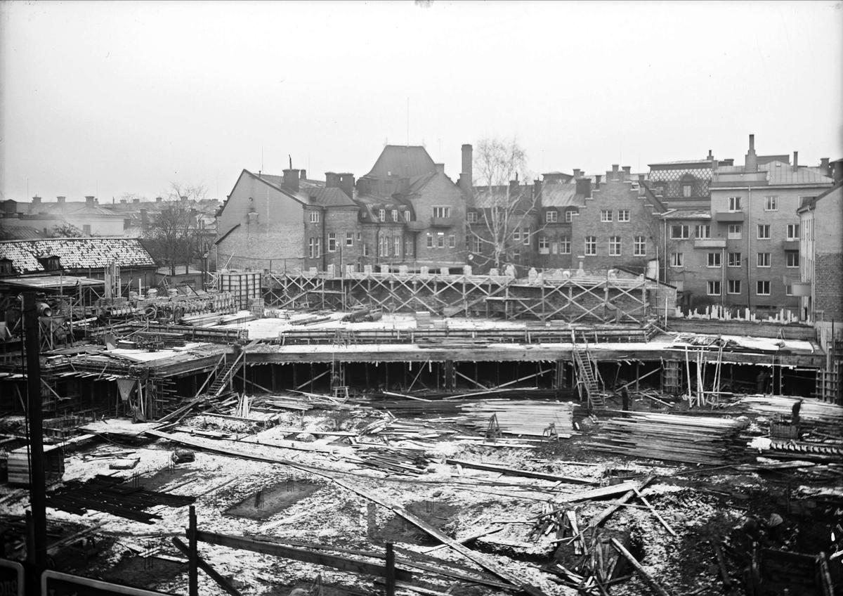 Varuhuset Forum under byggnation, kvarteret Pantern, Kungsängsgatan, Uppsala janauri 1952